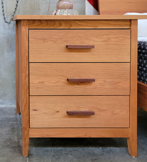 Wallace Amish Furniture Night Stand